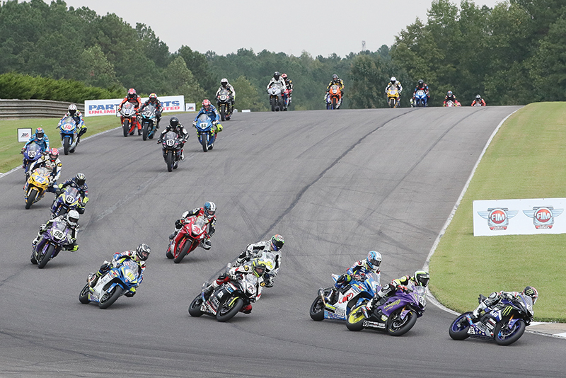 JD Beach and Hayden Gillim lead the supersport field into a turn at Barber Motorsports Park